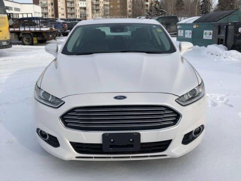 Pre-Owned 2014 Ford Fusion SE AWD **Heated Leather ** Sunroof** 2 Sets of Tires **